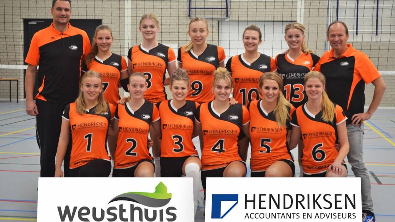 Dynamo dames 1 wint weer in de Haambrink!